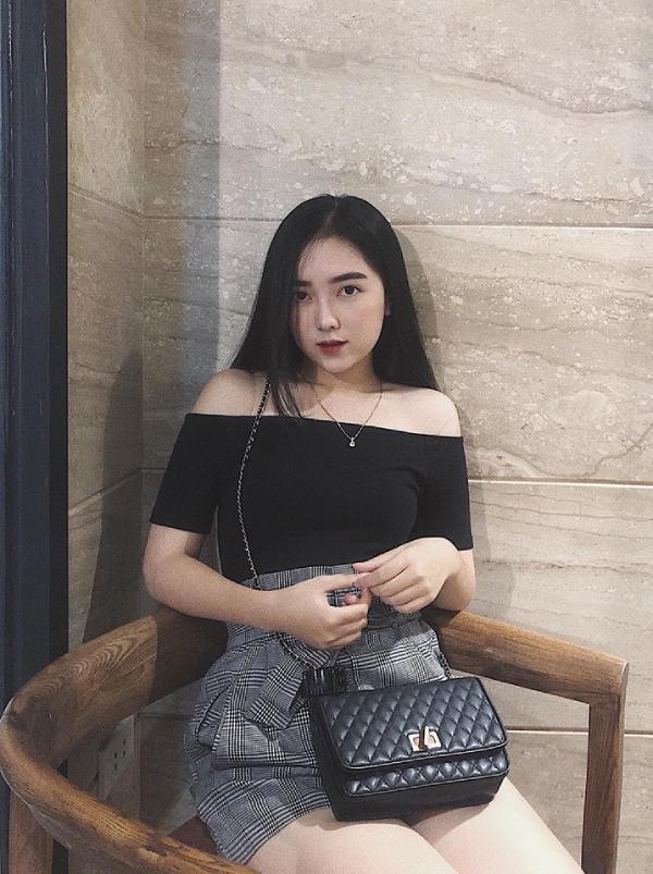 Bạn gái Hà Đức Chinh lần đầu lộ diện