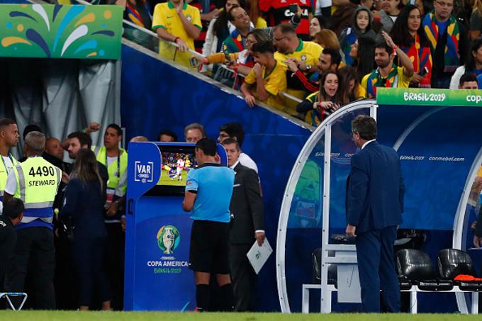 Ngoại hạng Anh sẽ không lạm dụng VAR như Copa America 2019