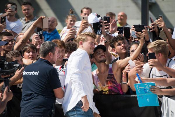 Matthijs de Ligt vượt qua kiểm tra y tế, chính thức thuộc về Juventus