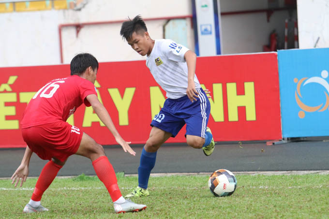 Huế 4-3 Tây Ninh: Hữu Thắng ghi bàn phút cuối, Huế nhọc nhằn giành 3 điểm