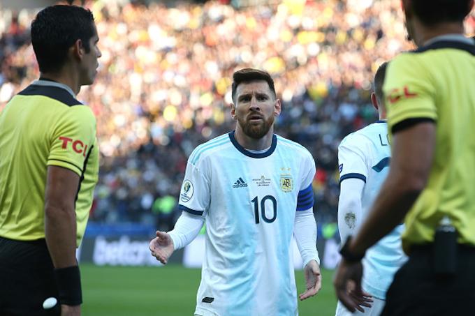 Lionel Messi chính thức bị cấm thi đấu cho Argentina